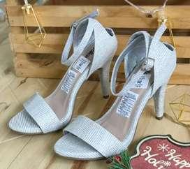 Zapatos altos de fiesta