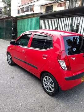 Hyundai i10 modelo 2011 en excelente estado