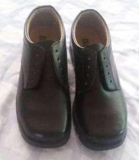 Zapatos Escolares Bunky Nuevos Talla 37