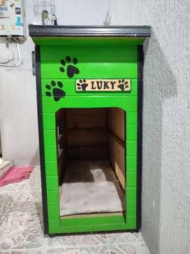 Casa para perro en madera