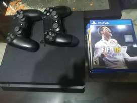 Play Station 4 - 2 mandos