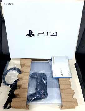 Playstation 4 Slim como nuevo con Garantia y Juego