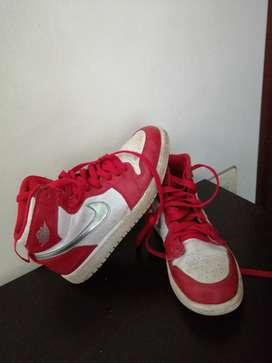 Zapatos baloncesto para niño talla 35