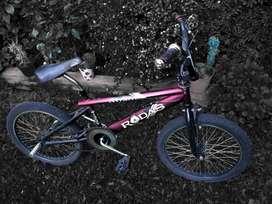 Bicicleta BMX Freestyle Rodas Asfalto