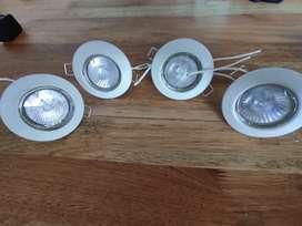 4 luces dicroicas