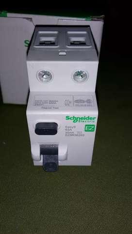 Vendo disyuntor diferencial Schneider easy9 63A 30mA nuevo.