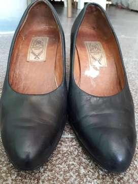 Calzado femenino  -  artesanía fina J.R.