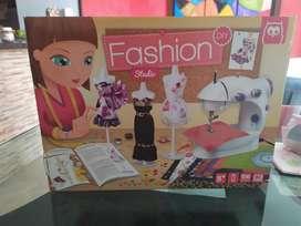Vendo Maquina de Coser Fashion para Niña