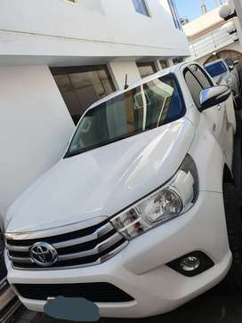 Vendo Toyota Hilux SRV Automatica 2016