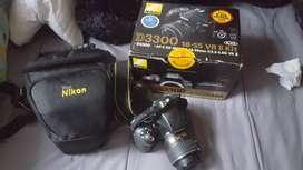 Cámara D3300 Nikon - con bolso y accesorios
