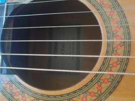 Se vende guitarra electroacustica Yamaha