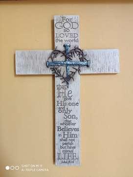 Cruz porcelana decoración
