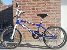 BICICLETA BMX VENZO USADA
