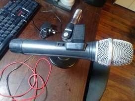 Microfono VHF AOLE con Pie de mesa, Cables, cargador, bateria recargable, COMPLETO