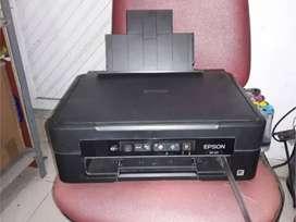 impresora EPSON XP 211 (PARA REPUESTOS)