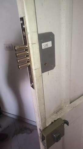 Todo en cerraduras y llaves