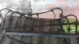 respaldo antiguo de hierro estilo mariposa 2 plazas