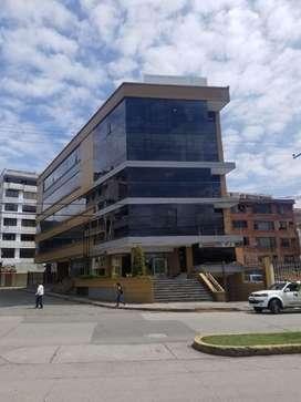 Alquiler de Oficinas o Edificio completo, diagonal a Coliseo Jefferson Perez, Cuenca, Azuay