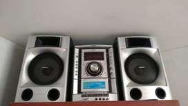 Se vende equipo de sonido en buen estado