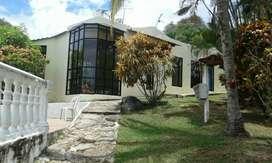 QUINTA PRIVADA 5 alcobas, 6 baños,sala comedor, cocina, garaje para 9 carros, piscina, Bar B. Q, jackusi
