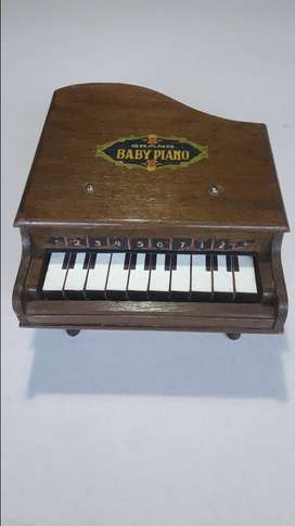 Vendo MINI PIANO DE COLA - Juguete Antiguo