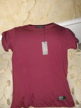 camisetas marca BROOKLYN, excelente precio.