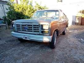 Camioneta Ford F100 motor perkin 4