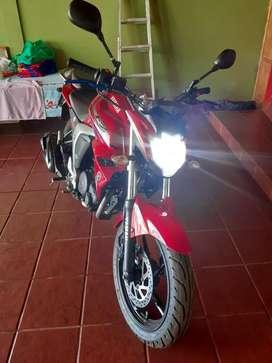 Vendo o permuto Yamaha FZ impecable!