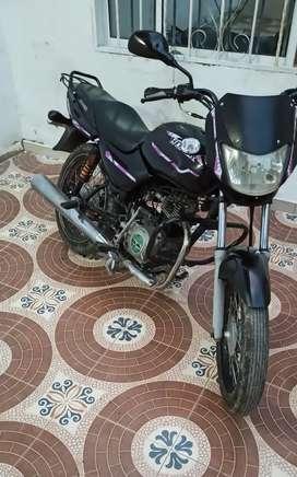 Vendo moto en ecxelente estado