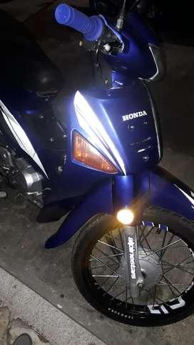 Se vende moto Wave 100