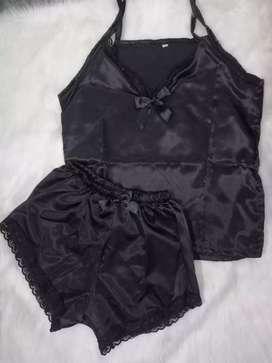 Pijama satin negra talla L