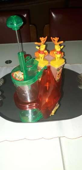 Trituradora de frutas con moldes de helados para niños
