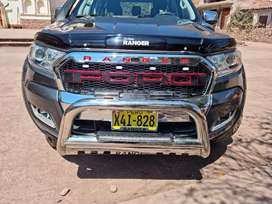 Camioneta todo terreno 4x4 Ford Ranger XLT
