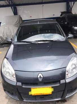 Se vende Renault Sandero Expression en excelente estado/ precio negociable