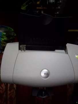 Vendo impresoras una tiene cartuchos pero se le inyecta la tinta y la otra no tiene cartuchos ambas funcionas