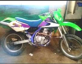 Kawasaki klx 650 r mod 94 patentada 2001
