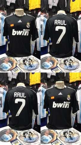 Camiseta real madrid negra raul 7 usada original