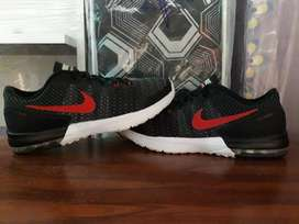 ZAPATILLA NIKE AIR MAX TYPHA ORIGINAL