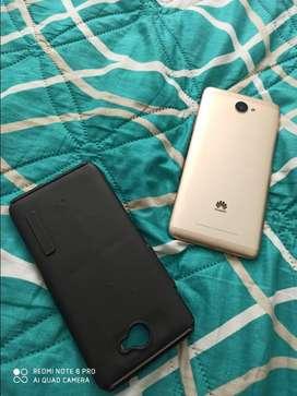 Huawei y 7 2017 usado pantalla rota(funciona)