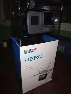 Vendo GoPro HERO 2018