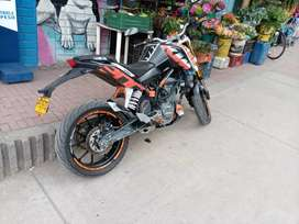 Vendo hermosa KTM Duke 200