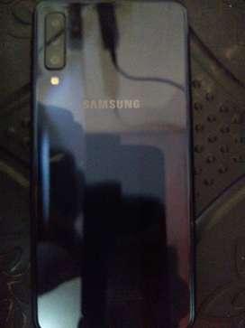 Vendo celular Samsung galaxy A7 cómo nuevo con todos los accesorios incluidos.