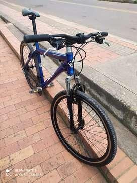 Bicicleta todoterreno marca gw rin 26 grupo chimano en perfecto estado