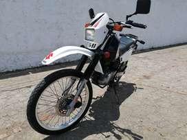 Vendo Moto Suzuki DR 200