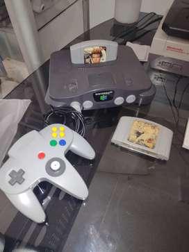 Nintendo 64 con Golden eye