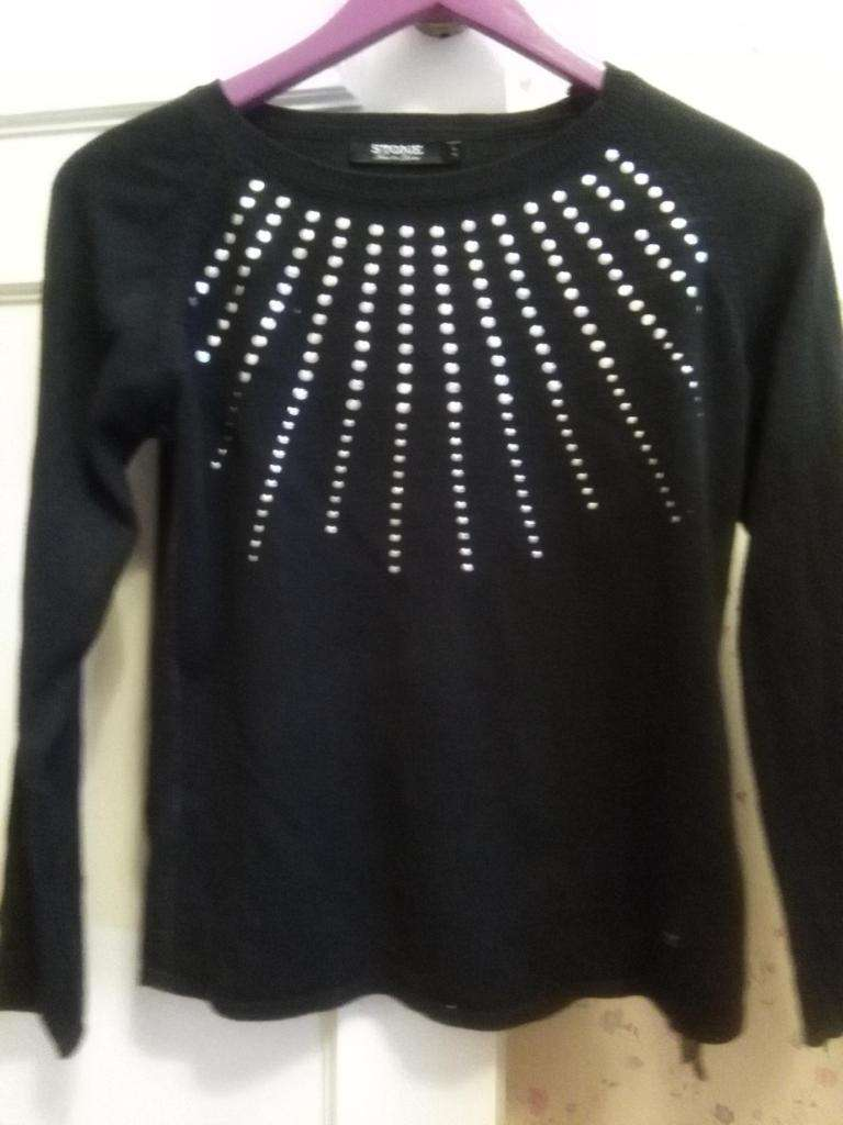 Pullover sweater Stone impecable talle S negro 0