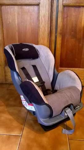 Rebajada!! Vendo Butaca Infantil Para Auto Marca Evenflo