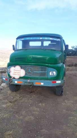 Camión volquete 4x4
