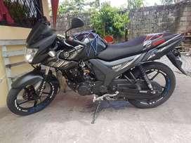 Se vende moto Yamaha Sz150