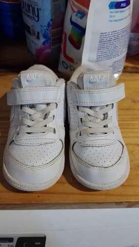 Vendo zapatillas Nike unisex